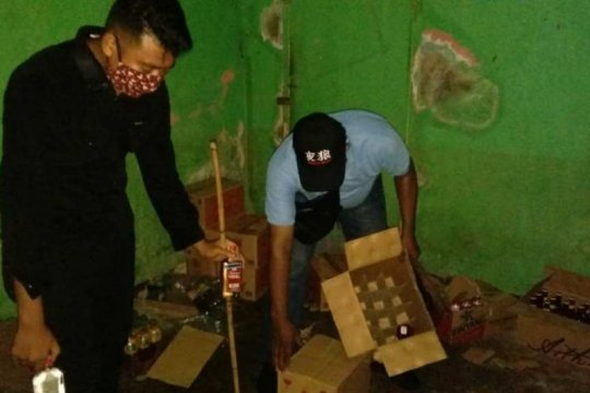Puluhan minuman berakohol ilegal disita Polisi Jayapura