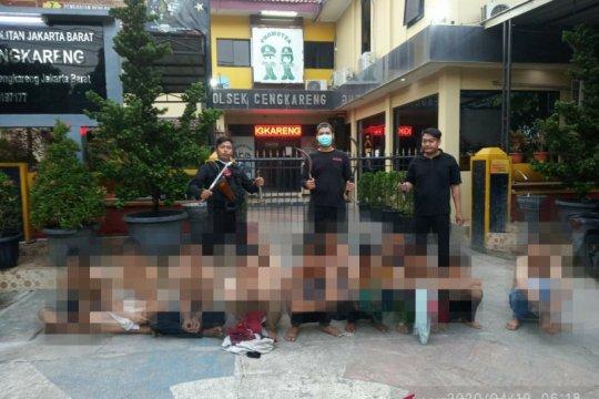 Hendak tawuran, puluhan pemuda diringkus polisi