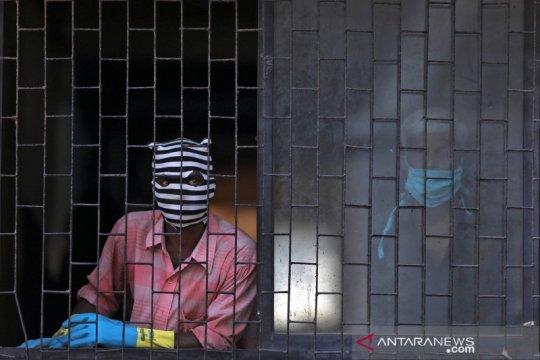 Modi desak warga India patuhi karantina seiring peningkatan kasus
