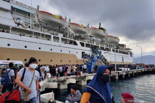 Dua kru kapal KM Bukit Raya reaktif pada rapid test di Tanjung Priok