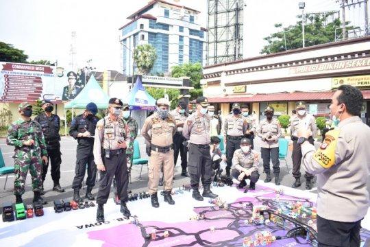 Polrestabes Makassar menerapkan sispamkot saat pemberlakuan PSBB