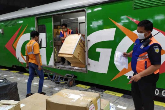 Tawarkan tarif murah, angkutan barang KAI Rail Express naik 73 persen