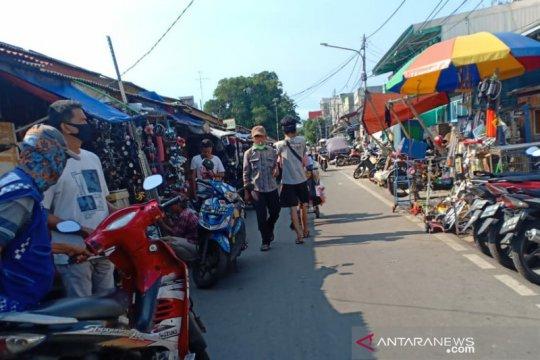 Pedagang nonkuliner Jakarta Pusat diimbau tutup selama PSBB