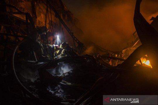 Kebakaran pabrik tekstil di Bandung Barat