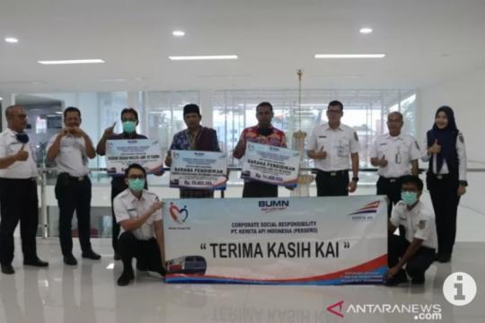 KAI Divre IV Tanjungkarang salurkan dana CSR Rp76 juta lebih