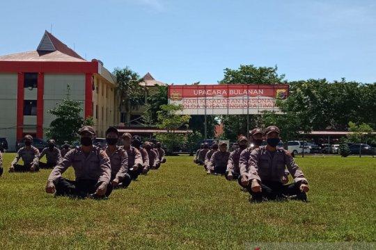 Bintara polisi sumbang sebagian gaji pertama untuk penanganan COVID-19