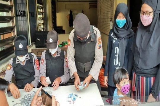 Siswa SMP Solo pecah celengan untuk bantu penanganan COVID-19
