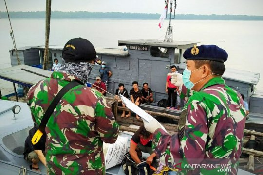 TNI AL kembali amankan 22 TKI ilegal dari Malaysia