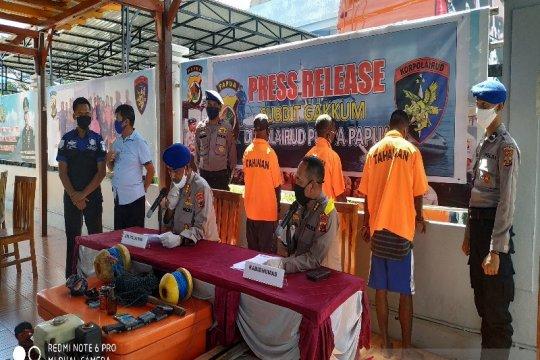 Polair Polda Papua ringkus tiga nelayan pengguna bom saat tangkap ikan