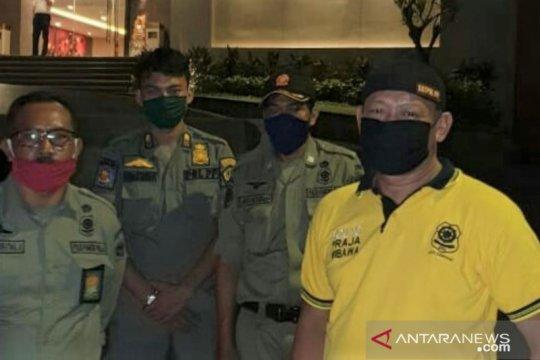 Satpol PP Denpasar jaga ketat tempat karantina pekerja migran