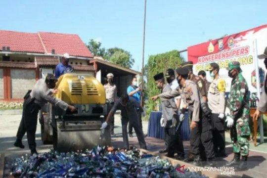Polres Tabalong musnahkan ribuan botol minuman keras