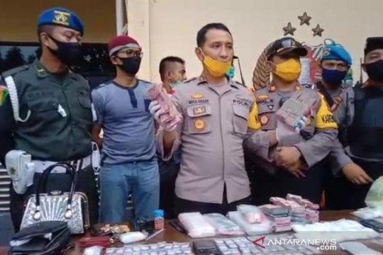 Personel TNI-Polri gerebek sarang narkoba di Palu