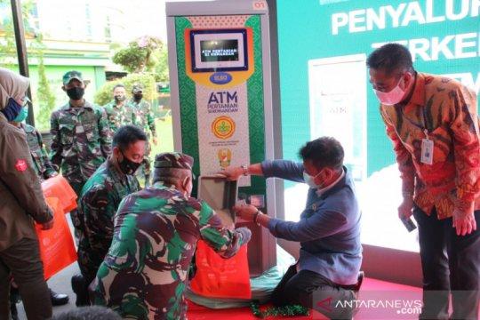Mentan luncurkan ATM beras bantu pangan warga terdampak PSBB