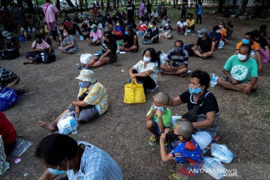 Lusinan bank makanan lokal bermunculan di Thailand di tengah wabah