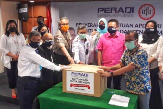 Peradi salurkan bantuan APD ke IDI untuk tenaga medis lawan COVID-19