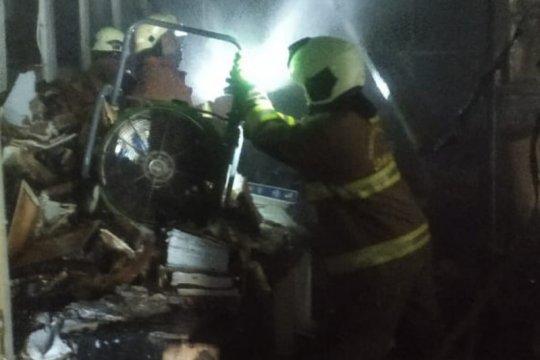 Pengusaha rugi Rp25 juta akibat gudang KFC di Ciracas terbakar