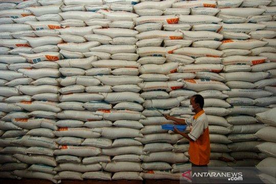 Mendukung ketahanan pangan saat pandemi lewat penyediaan pupuk