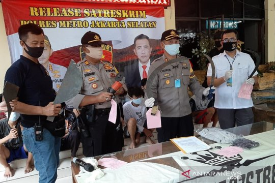 Polisi tangkap 12 anggota gangster pelaku tawuran di Jagakarsa
