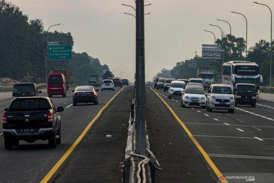 Arus kendaraan di tol Jakarta - Cikampek meningkat
