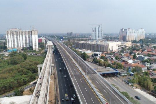 Arus lalu lintas gerbang tol Cikampek Utama lancar