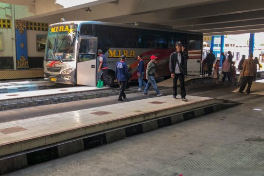 Sebanyak 63 penumpang asal Jabodetabek turun di Terminal Giwangan