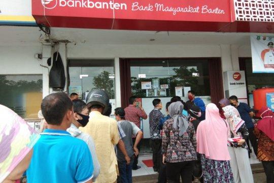 OJK : Saat merger Bank Banten dan BJB tetap layani nasabah