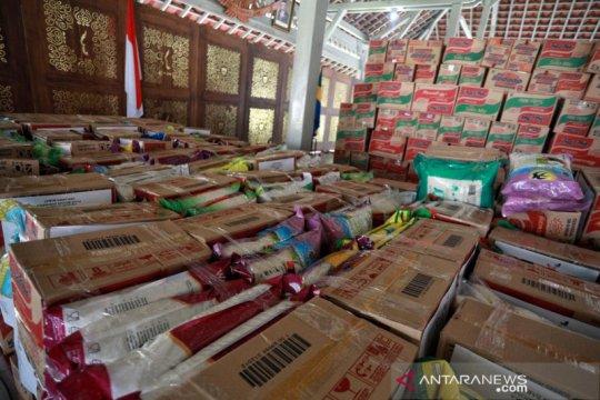 Polda Jawa Barat awasi penyaluran bansos warga terdampak COVID-19