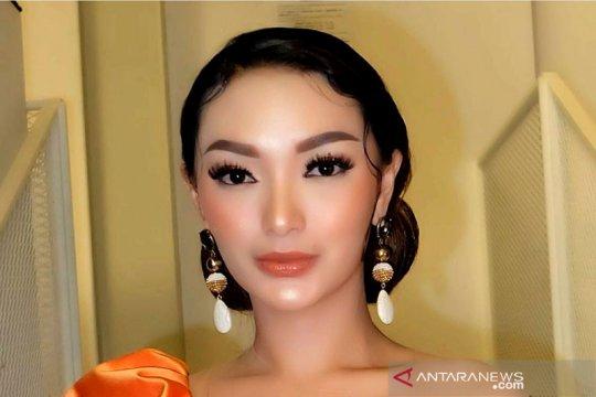 Zaskia Gotik menikah dengan Sirajuddin Mahmud