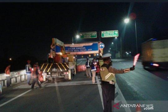 Hukum kemarin, cegah warga mudik hingga tuntutan Emirsyah Satar