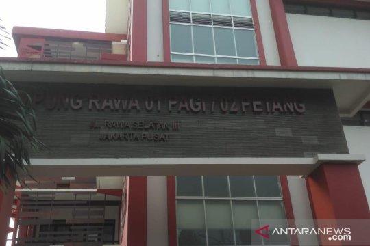 Lurah sebut sekolah pilihan terakhir penanganan COVID di Kampung Rawa