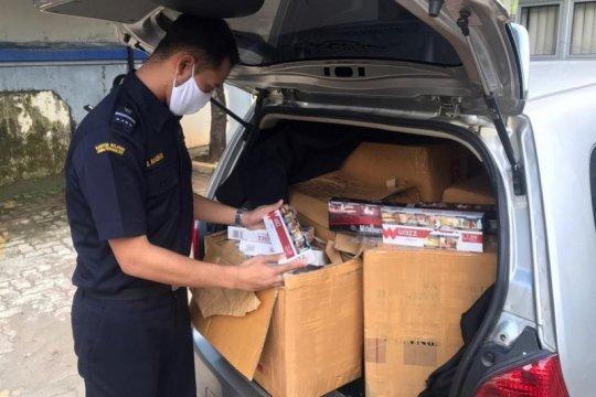 Bea Cukai Kudus tangkap pengedar rokok ilegal lewat jasa ekspedisi
