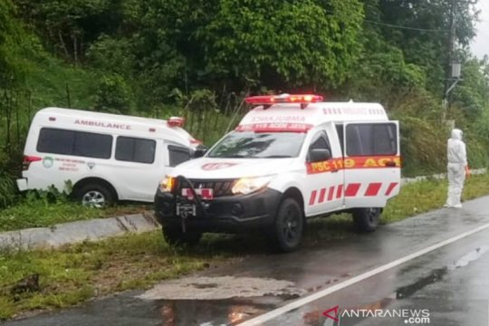 Ambulans pembawa pasien COVID-19 asal Abdya kecelakaan di Aceh Jaya