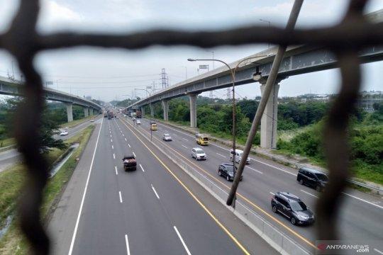 Jasa Marga catat penurunan arus lalu lintas Jalan Tol Jakarta-Cikampek