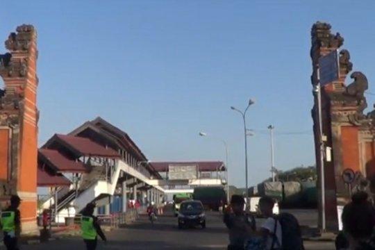 Pelabuhan Padangbai hanya izinkan akses transportasi bagi korban PHK