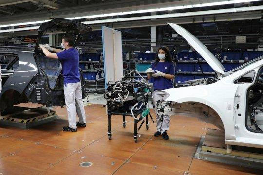 VW mulai berproduksi lagi di beberapa negara