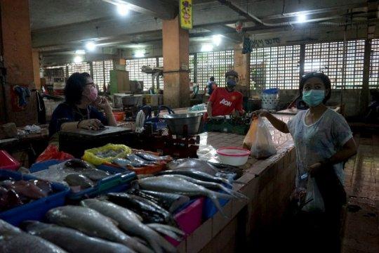 Wali Kota Surabaya pimpin sosialisasi PSBB ke Pasar Genteng