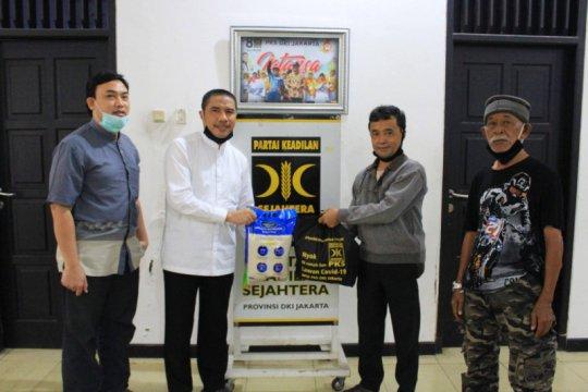 PKS salurkan bansos Rp2,2 miliar untuk warga DKI Jakarta