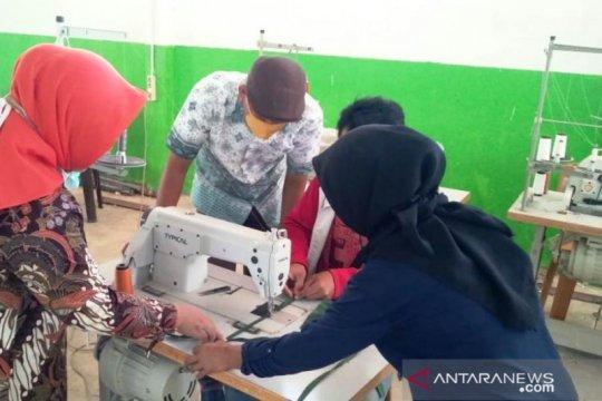 BRG berdayakan masyarakat tiga kabupaten Sumsel produksi masker