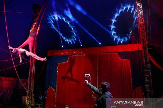 Cegah COVID-19, atraksi sirkus di Chile ini disiarkan daring