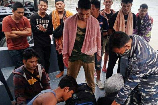 Lanal Tanjung Balai Asahan amankan 20 TKI ilegal dari Malaysia