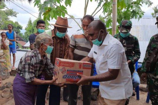 """Pemkab Flores Timur bantu korban """"perang tanding"""" di Adonara"""