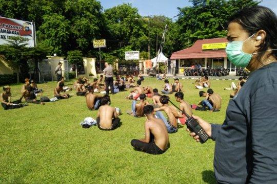 Polisi amankan 80 remaja gelar balap liar saat PSBB di Padang