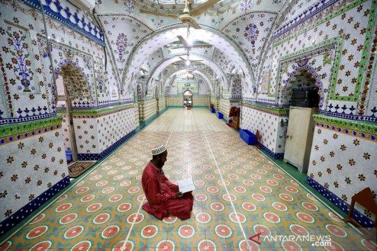 Tadarus Al Quran saat ramadhan di Masjid Bintang