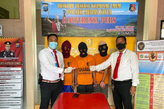PRC Ditsamapta Polda Sumut tangkap tiga pemuda miliki sabu-sabu