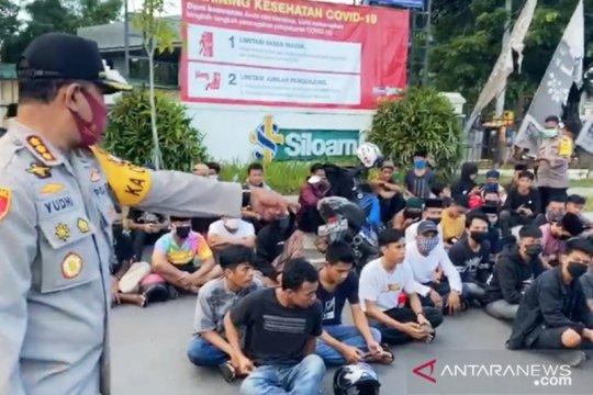 Aparat amankan puluhan kendaran balap liar di Makassar