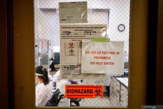 Test sampel COVID-19 di Dinas Kesehatan Kota New York