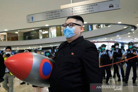 """""""Kim Jong-un"""" muncul di tengah protes antipemerintah Hongkong"""
