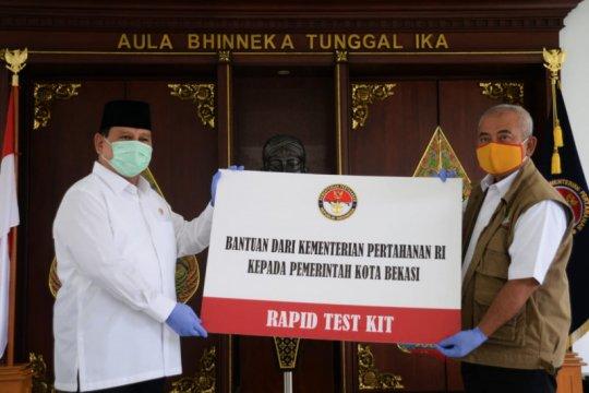 """Cegah corona, Menhan serahkan 5.000 """"rapid test kit"""" untuk Kota Bekasi"""