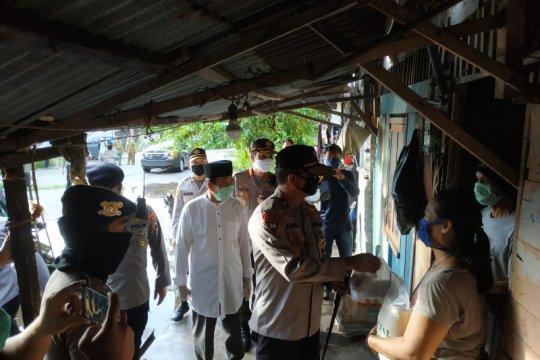 Polda Babel bagikan 200 paket sembako di Bangka Tengah