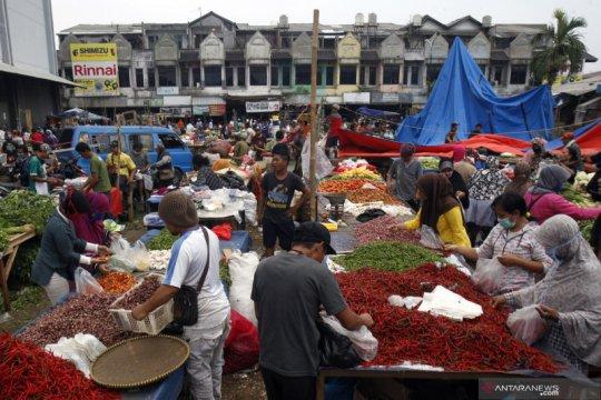 Aturan jaga jarak fisik sulit diterapkan di pasar tradisional